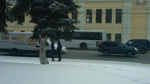 В Уфе «НефАЗ» протащил девушку под колесами 200 метров