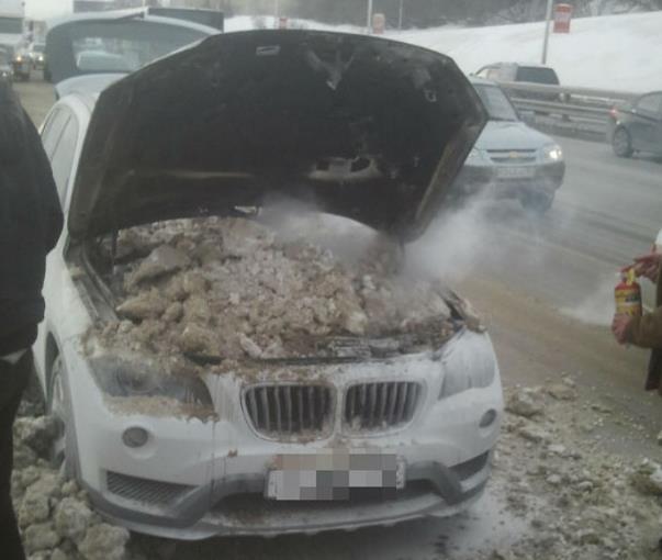 В Уфе потушили вспыхнувшую «БМВ»