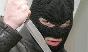 В Салавате молодой разбойник хотел ограбить магазин