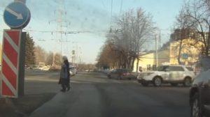 В Уфе внедорожник сбил женщину с ребенком