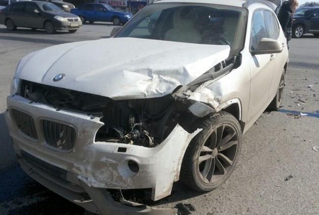 В Уфе столкнулись Suzuki и BMW