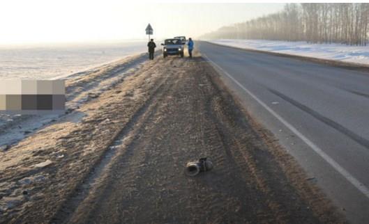 В Бураевском районе на обочине обнаружили труп сбитого грузовиком мужчины