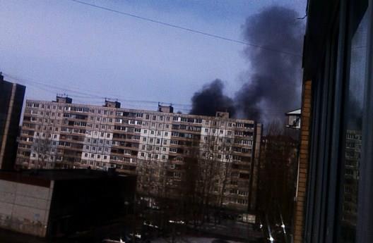 Пожар в Уфе: горит склад пиротехники в Сипайлово