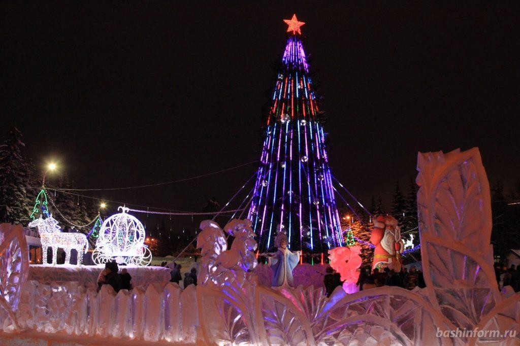 В Уфе засияла главную елка города