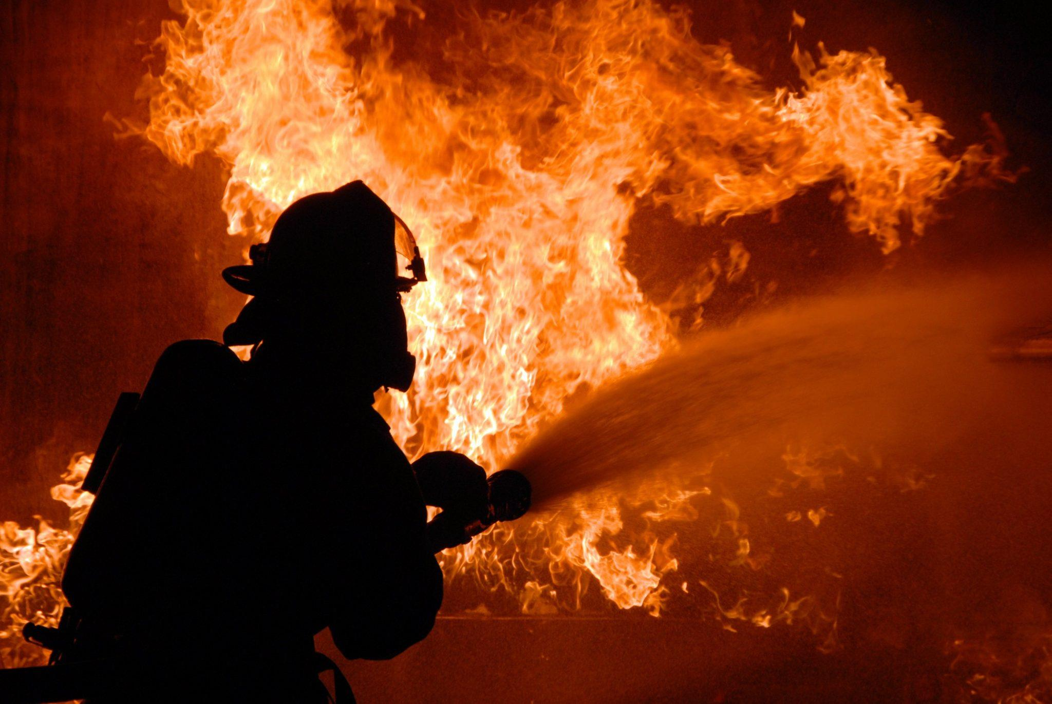 Пожар на нефтехимическом заводе Салавата