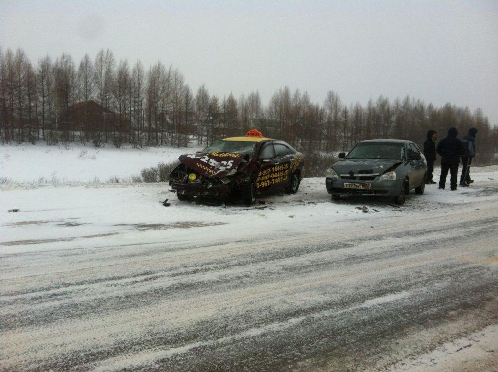 В Башкирии столкнулись три машины, есть пострадавшие