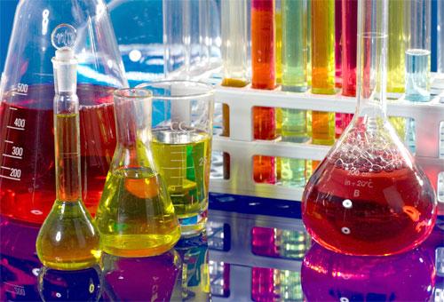 В Уфе при проведении химических опытов пострадал 16-летний школьник
