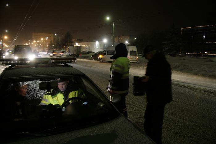 В преддверии выходных дней силами всех подразделений республики проведены массовые проверки водителей транспортных средств.